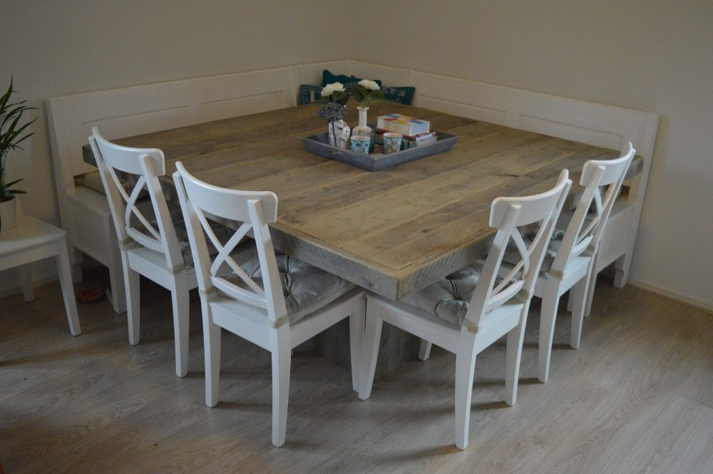 Hout het stijlvol vierkante tafel for Decoratie op eettafel